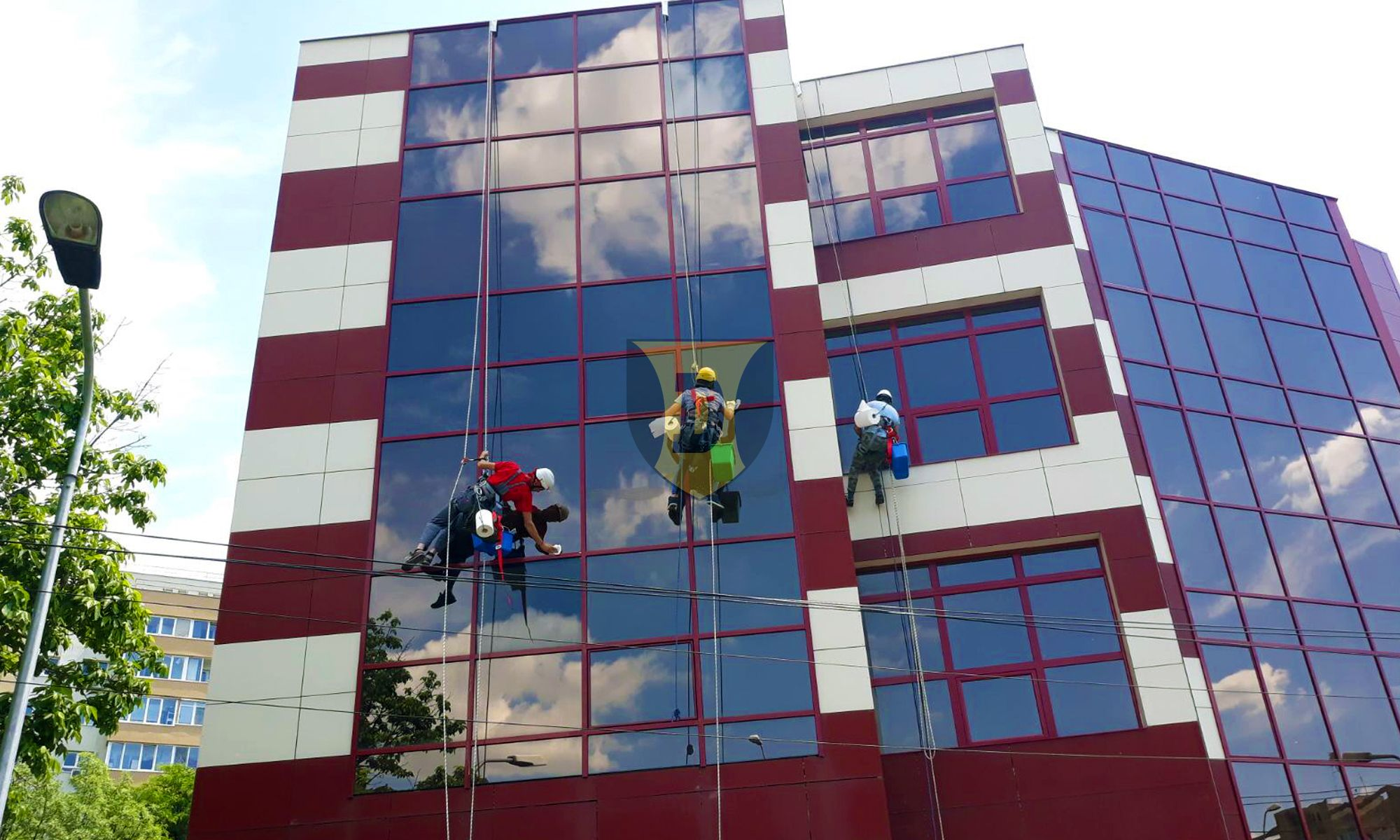 Curatirea geamurilor si igenizarea fatadelor